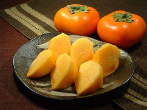 何かと使える柿!人気のレシピで新発見!!チャレンジしてみてのサムネイル画像