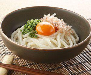 温かい&冷たい!どんなうどんとも相性がいい卵を使ったうどんレシピのサムネイル画像