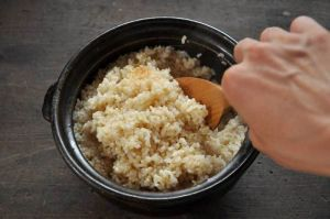 健康志向の方必見!玄米の美味しい炊き方、下準備を紹介します。の画像