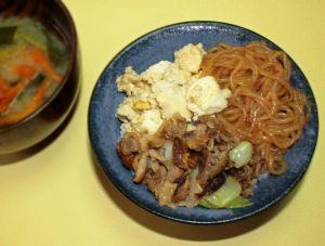 美味しくて懐かしい冷蔵庫の野菜と豆腐で出来るいりどうふレシピのサムネイル画像